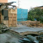 写真:上屋解体後