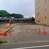 写真:駐車場工事開始